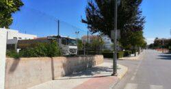 Solar esquina entre Avda. de los Baños y Calle San Miguel de Zujar